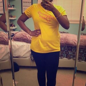Old Navy Yellow Top! 🐥